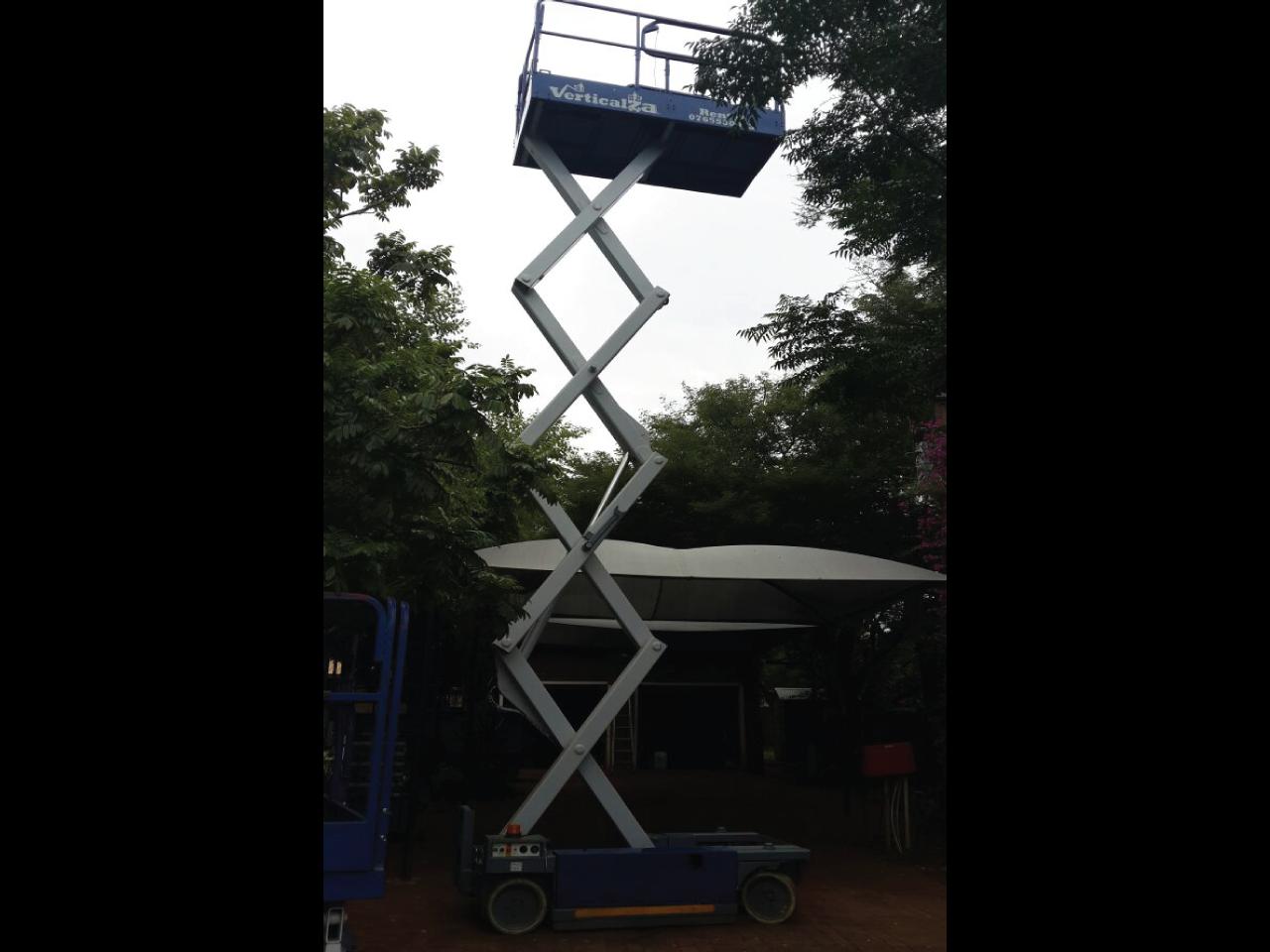 MEC-2674ES-Scissor-lift-