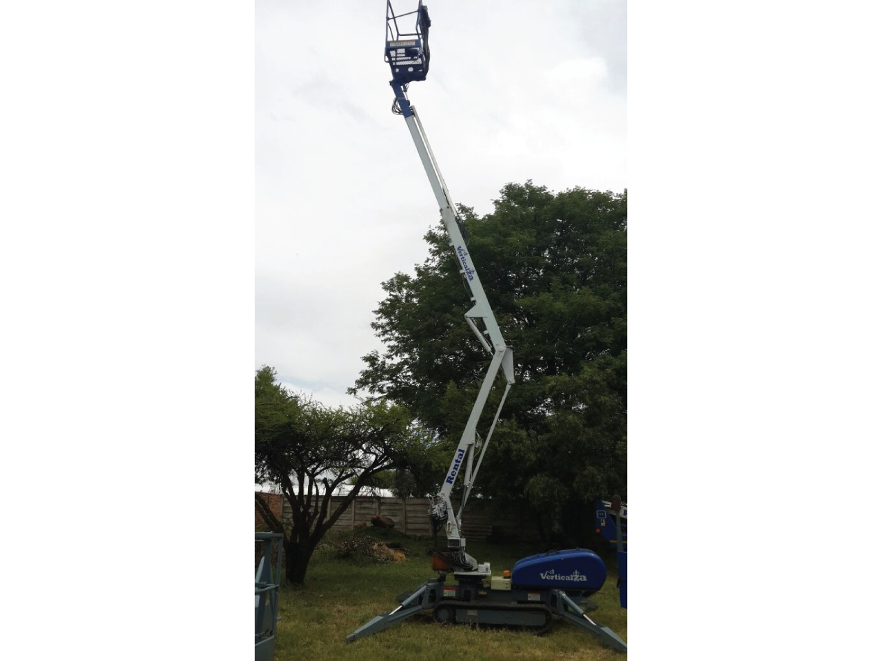 Nifty-Lift-TD120TDAC-Tracked-Cherry-picker-Hire
